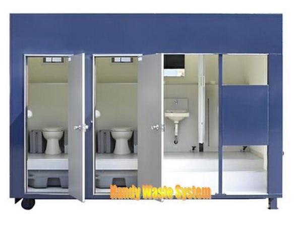Nhà vệ sinh lưu động 4 buồng