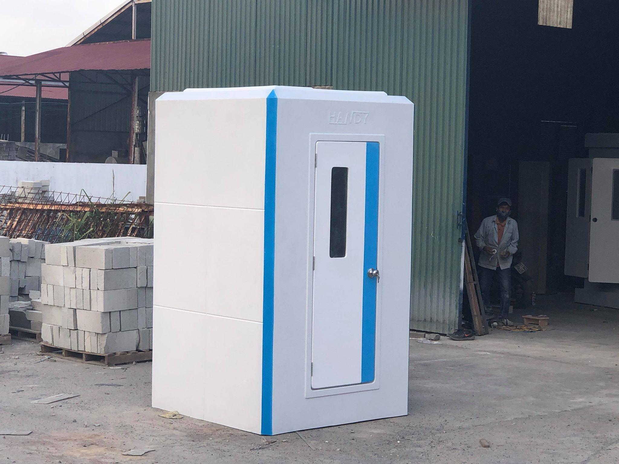 Nhà vệ sinh di động liền phòng tắm HANDY V17.2 có kết cấu liền khối vững chắc, chống va đập