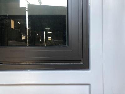 Cửa sổ nhôm Xingfa, kính cường lực 8mm